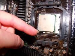 vyjmutí procesoru